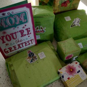 """🌷 MOTHER'S DAY🌷 MYSTERY BOX """"7 GIFTS For 7 DAYS"""""""